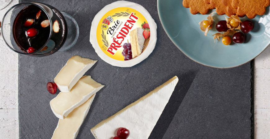 PRÉSIDENT-TRIPLE-CRÈME-BRIE-WITH-GLOGG-&-GINGERBREAD-COOKIES